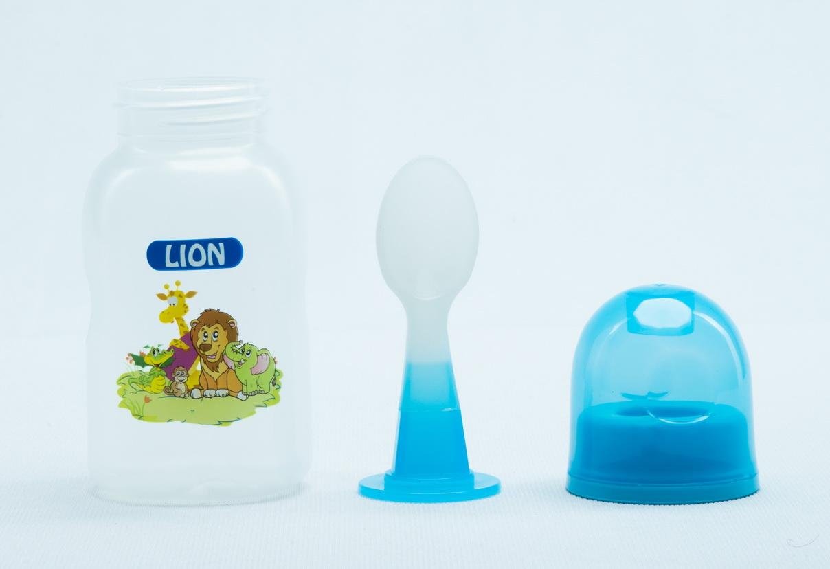 LION SPOON FEEDER 5 OZ 150 ML (BPA FREE) 1 PC SHRINK PACK
